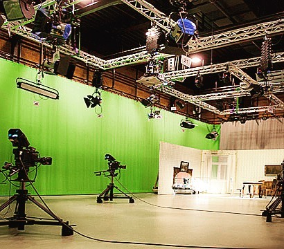 ONE SPOT LEFT in our ON CAMERA Winter 2019 class!! #hamont #filmandtv #youaretheonlyyou #hfc