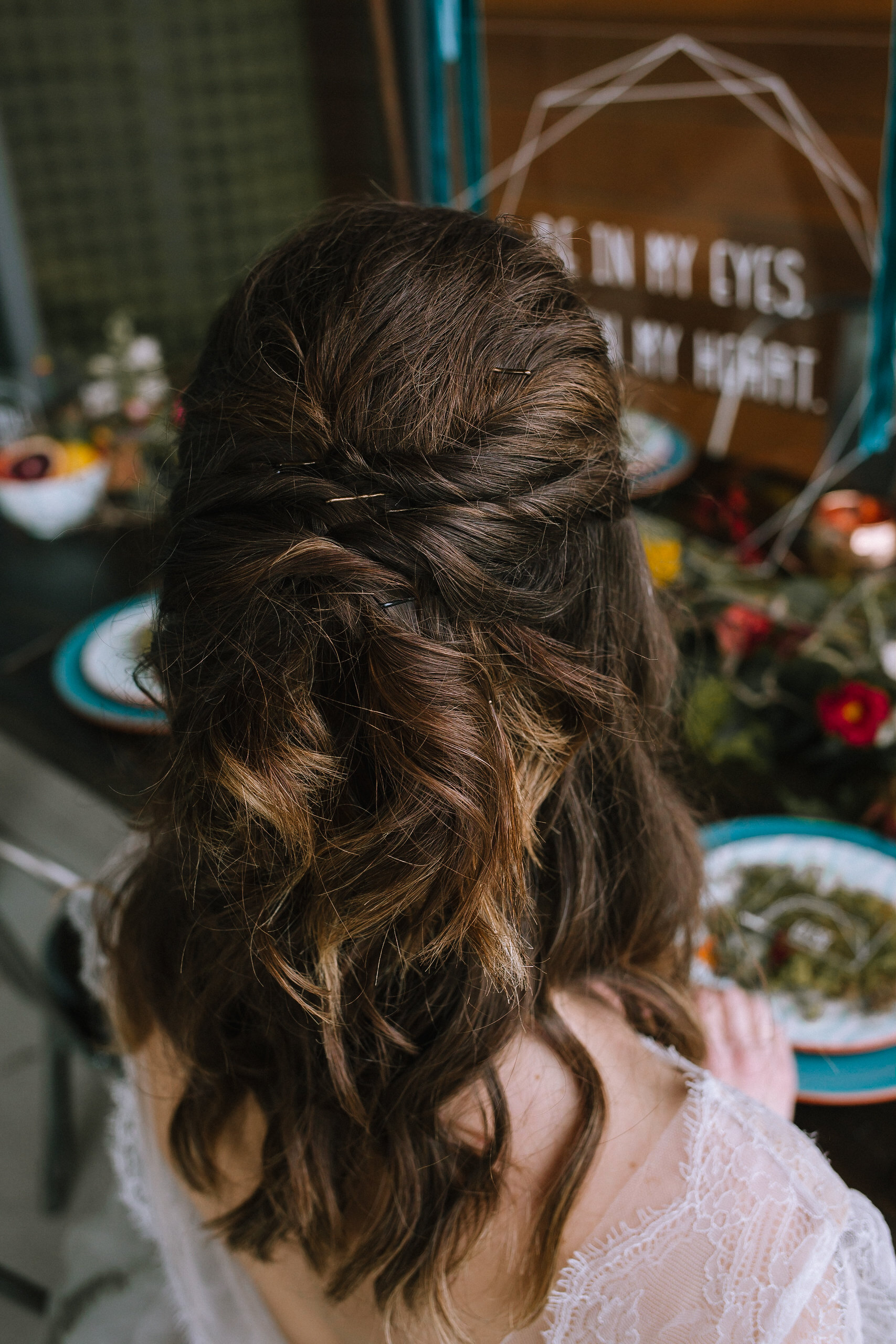 Boho bride wedding hair for fall vintage boho styled shoot designed by exhale events. Get inspired by these gorgeous wedding details at exhale-events.com!