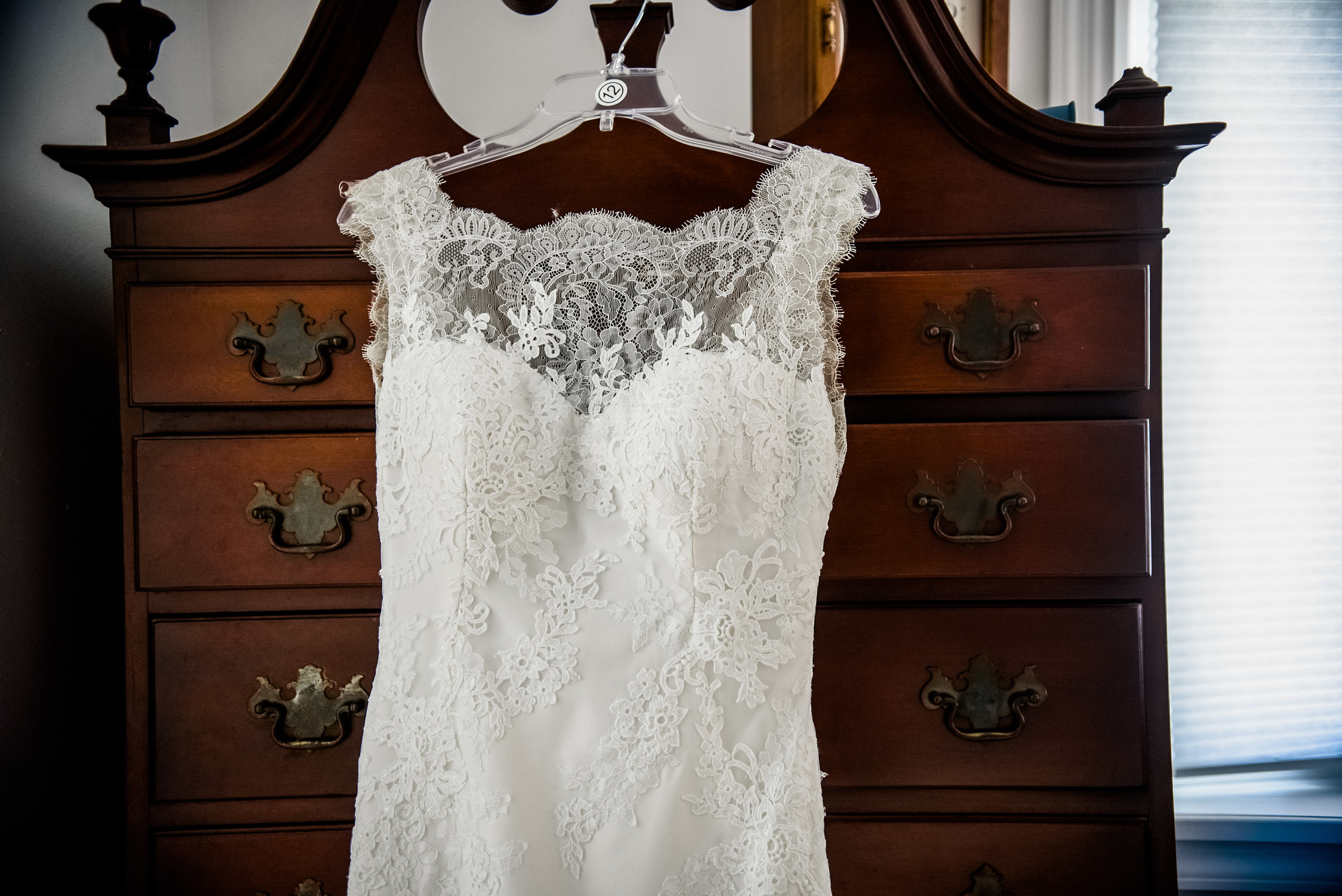 Lace wedding dress for Pittsburgh wedding planned by Exhale Events. Find more inspiration at exhale-events.com!