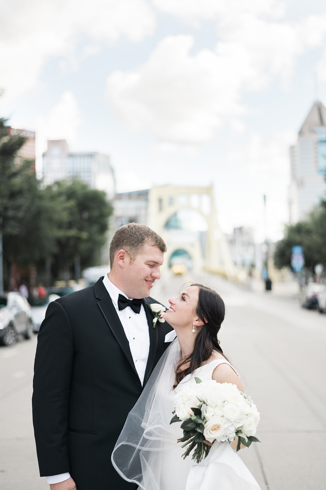 PNC Park Wedding - Bride and groom pose | Exhale Events. Find more wedding inspiration at exhale-events.com!