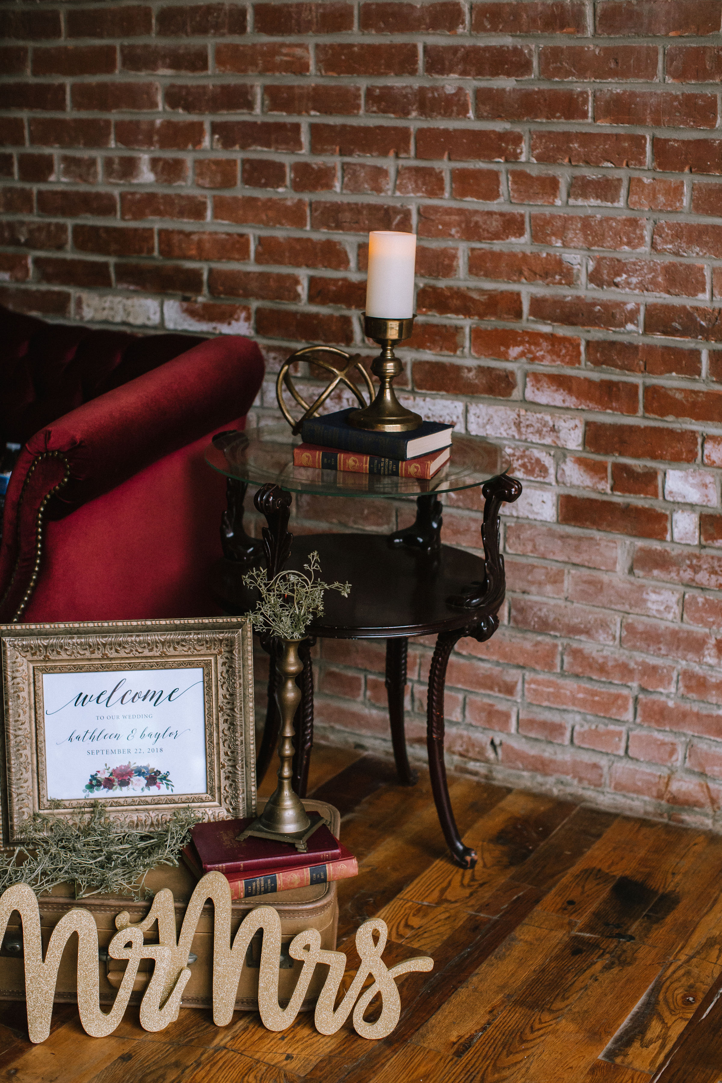 Vintage wedding decor for Pittsburgh wedding at Studio Slate planned by Exhale Events. Find more wedding inspiration at exhale-events.com!