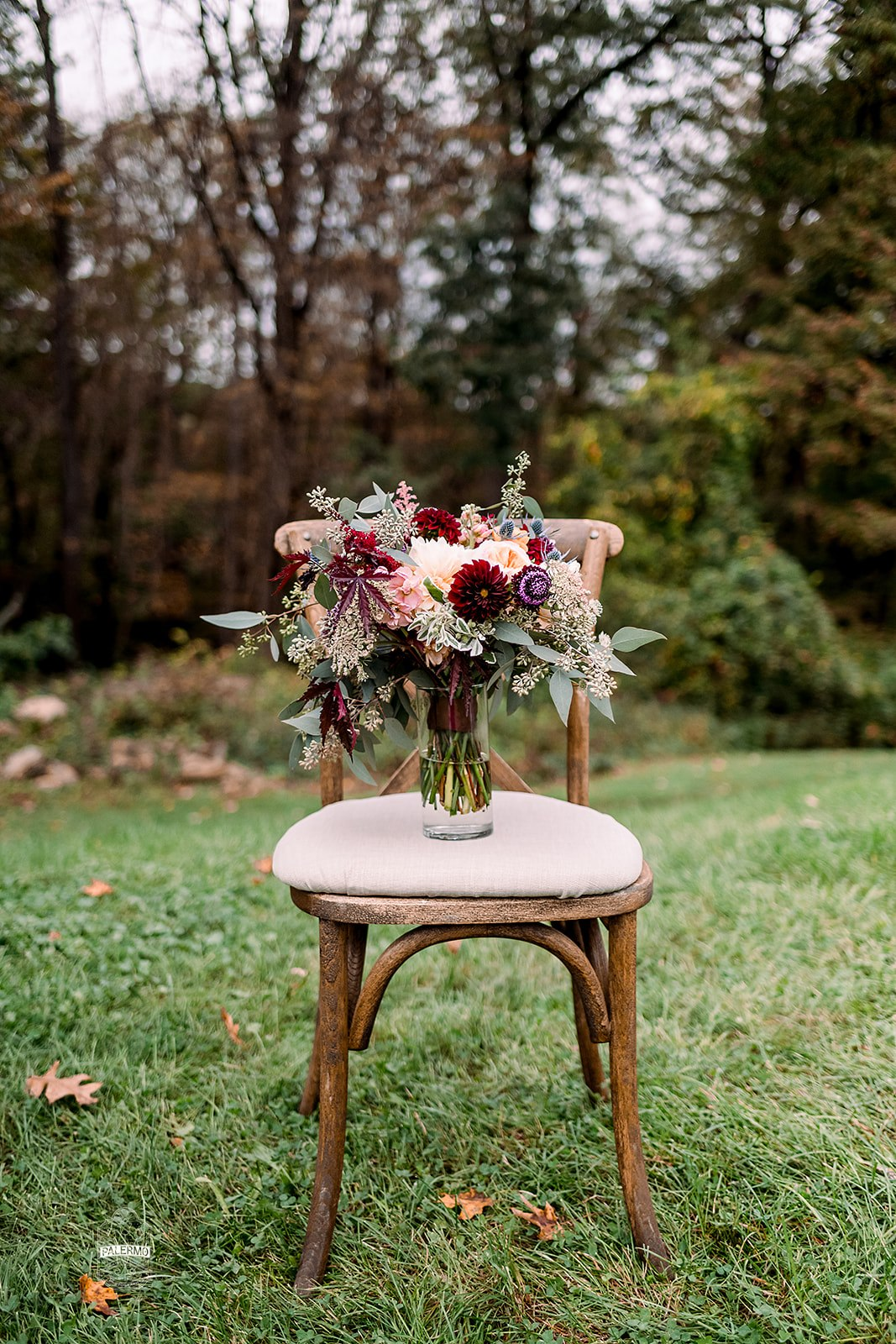 Burgundy wedding bouquet for fall barn wedding in Pittsburgh, PA planned by Exhale Events. Find more wedding inspiration at exhale-events.com!