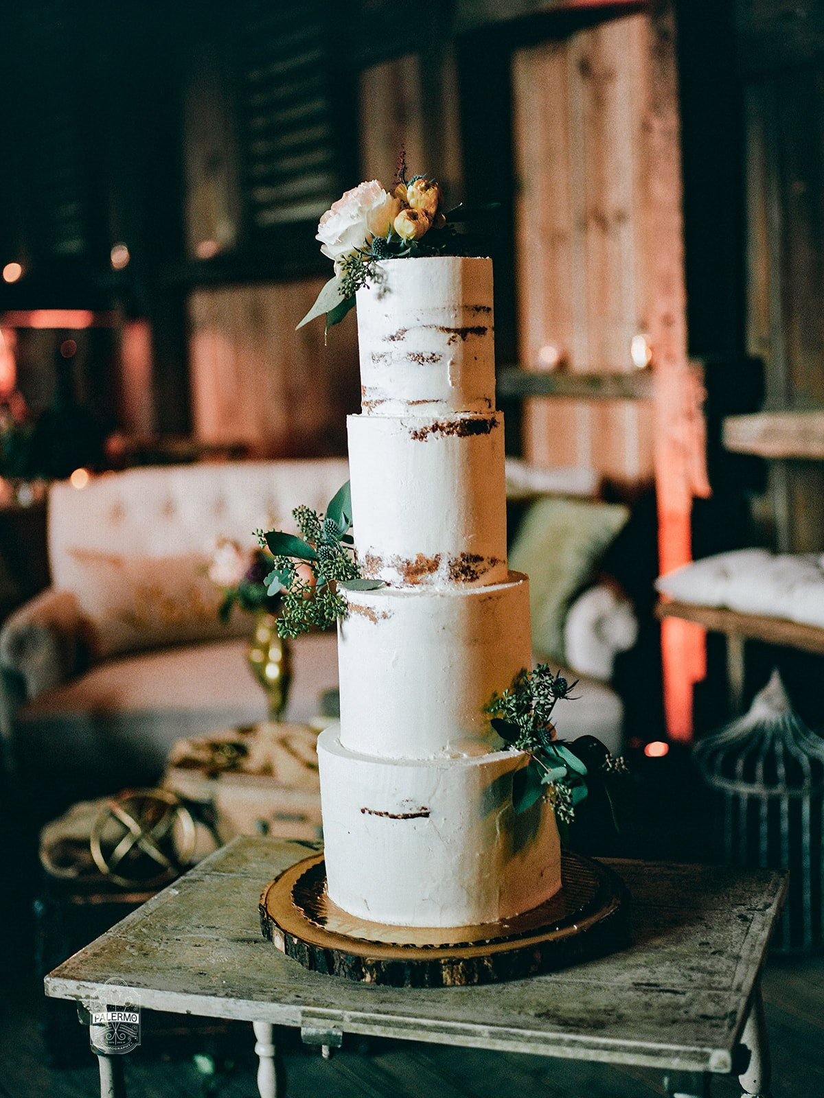 Rustic wedding cake design for fall barn wedding in Pittsburgh, PA planned by Exhale Events. Find more wedding inspiration at exhale-events.com!