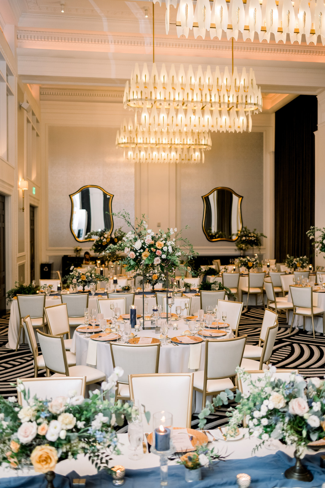 Wedding reception design for Pittsburgh wedding at Hotel Monaco planned by Exhale Events. Find more modern wedding ideas at exhale-events.com!