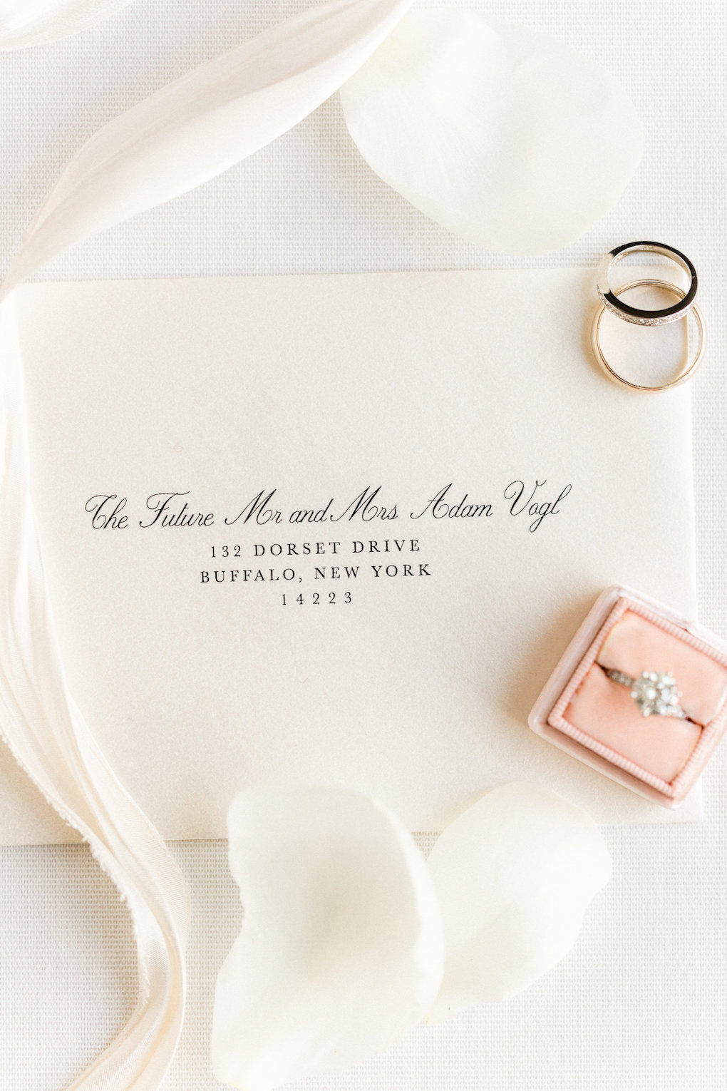 Simple wedding invitation design for chic wedding in Buffalo, NY planned by Exhale Events. Find more timeless wedding inspiration at exhale-events.com!