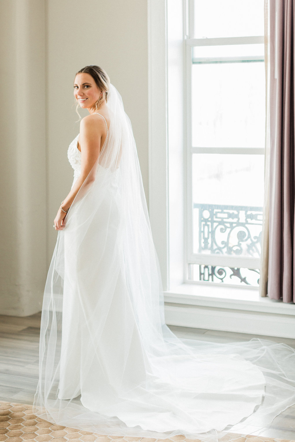 Bridal portrait for chic wedding in Buffalo, NY planned by Exhale Events. Find more timeless wedding inspiration at exhale-events.com!