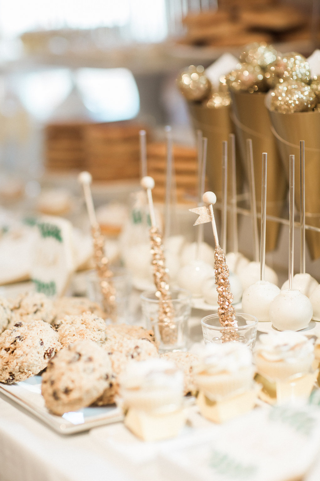 Unique wedding dessert ideas for chic wedding in Buffalo, NY planned by Exhale Events. Find more timeless wedding inspiration at exhale-events.com!