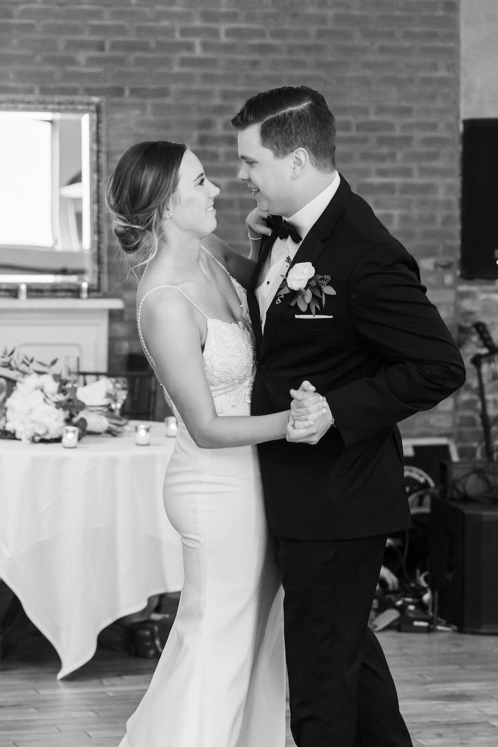 Bride and groom share first dance for chic wedding in Buffalo, NY planned by Exhale Events. Find more timeless wedding inspiration at exhale-events.com!
