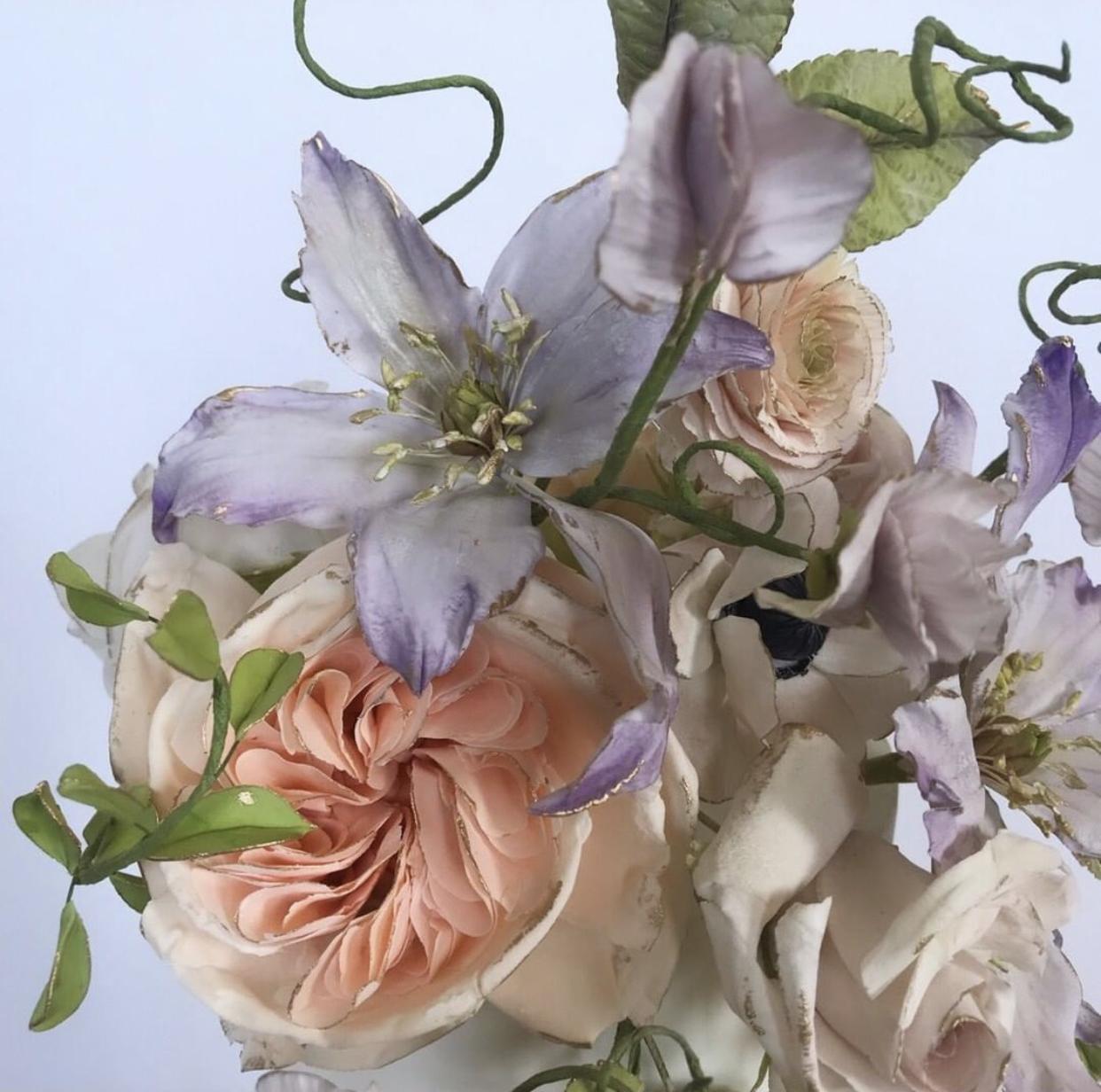 Handmade-sugar-flowers-for-cakes