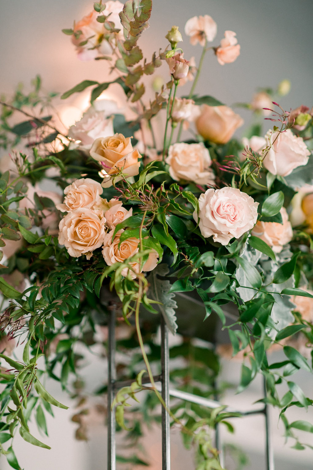 Peach and pink floral tones: Soft and Subtle Palettes of Spring Blossoms | Editorial Shoot at The Renaissance Pittsburgh by Exhale Events. See more inspiration at exhale-events.com!