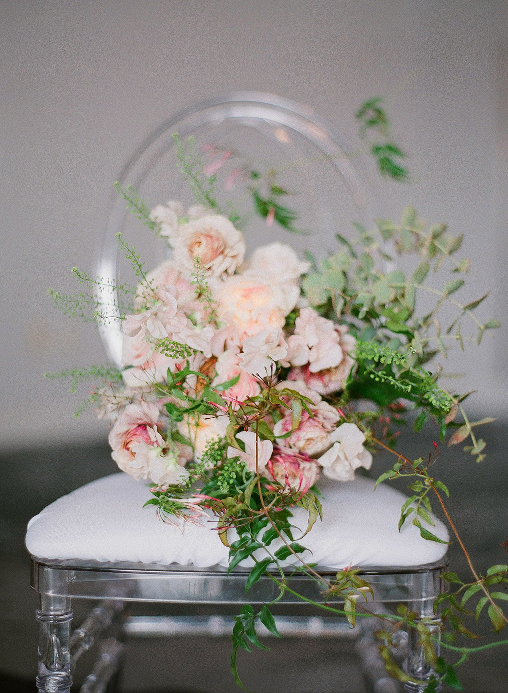 Pretty Bouquet Shots: Soft and Subtle Palettes of Spring Blossoms | Editorial Shoot at The Renaissance Pittsburgh by Exhale Events. See more inspiration at exhale-events.com!
