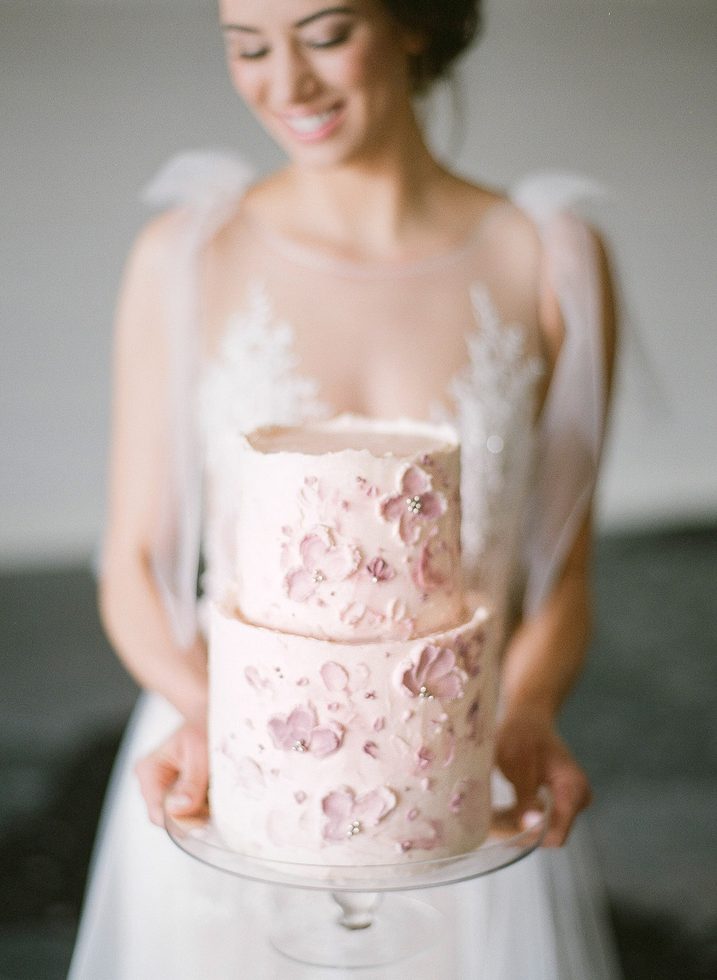 Fine art wedding cake: Soft and Subtle Palettes of Spring Blossoms | Editorial Shoot at The Renaissance Pittsburgh by Exhale Events. See more inspiration at exhale-events.com!