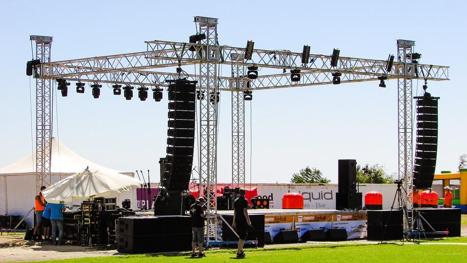 stage-1712494_960_720.jpg