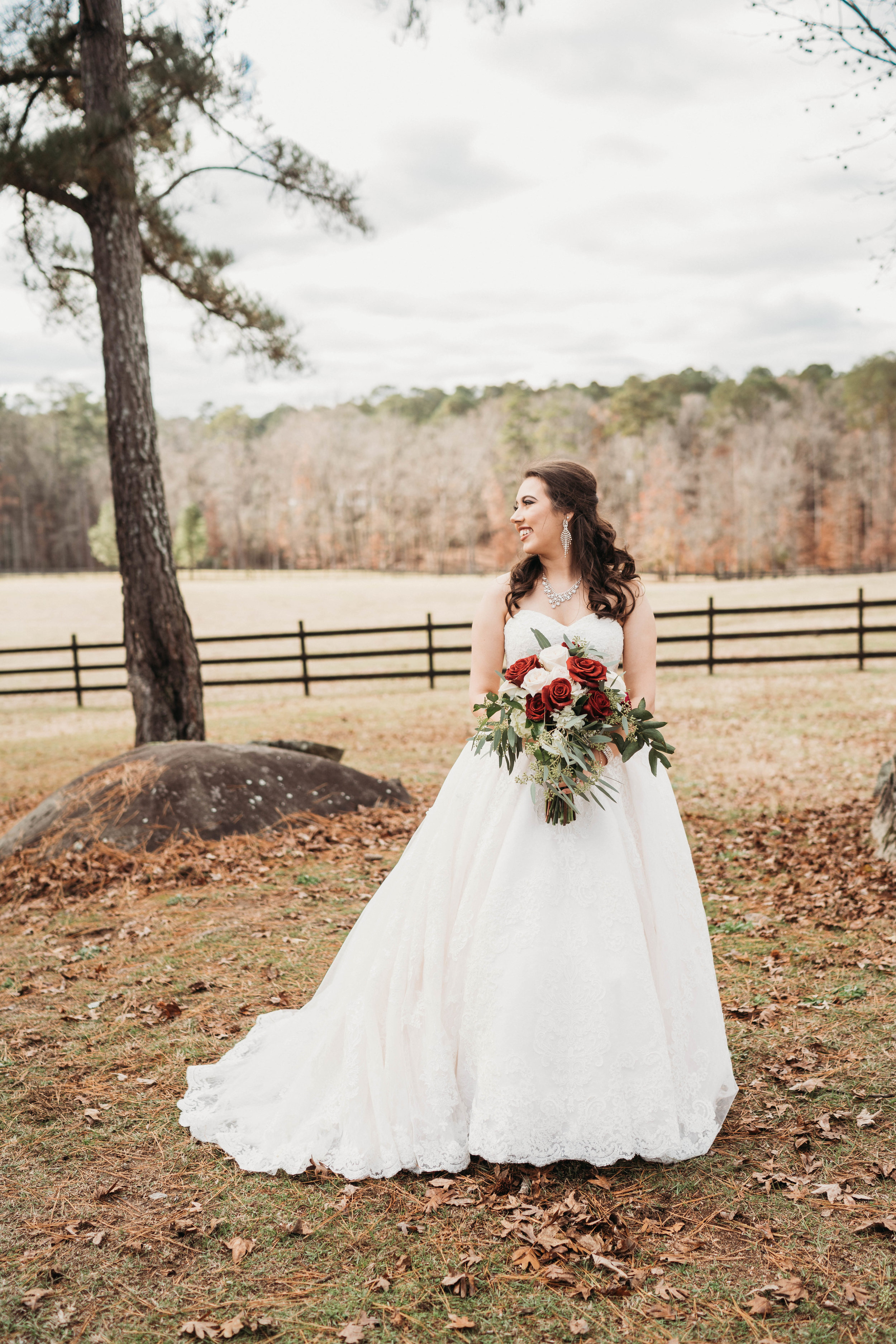 fall brides give me all the fels.  this bride has traditional makeup with an airbrush overlay and a classic half updo. timeless look!  photo by: Aurora adeleigh