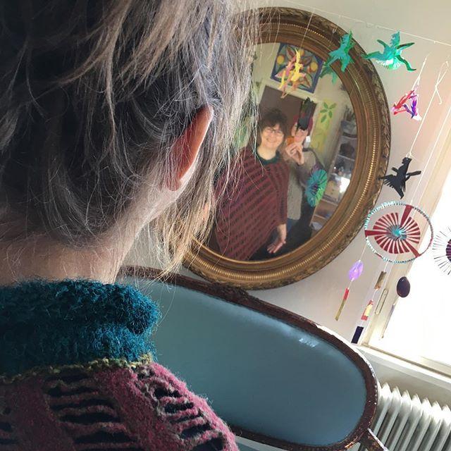 Kæmpe inspiration: Fælles arbejdsdag med super strikkeren @lottekjaerdesign Lotte kjær.  vi elsker farver begge to.