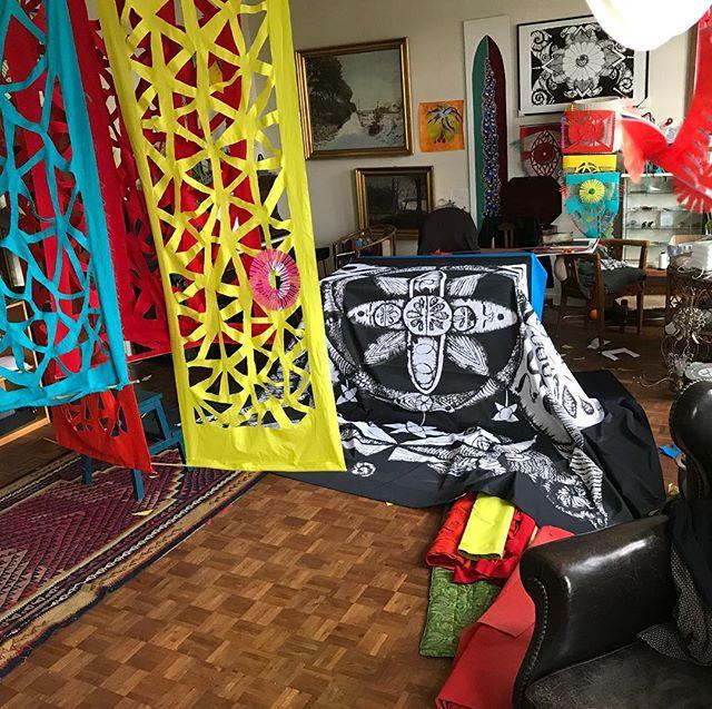 Arbejde på vokalapyk MANDALA releasekoncert okt 2018 hjemme i stuen. #senografi