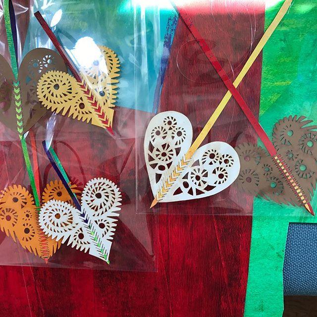 Hjerter klar til salg #papercut #papirklip