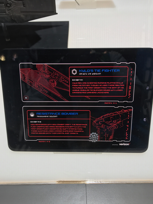 Verizon Booth-NYCC17.jpeg