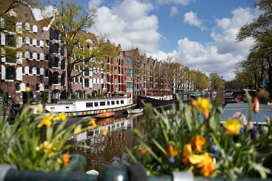 36 Hours in Amsterdam - With new restaurants and night spots, and the reopening of the Rijksmuseum and the Stedelijk Museum, Amsterdam is in the midst of an exciting renewal.