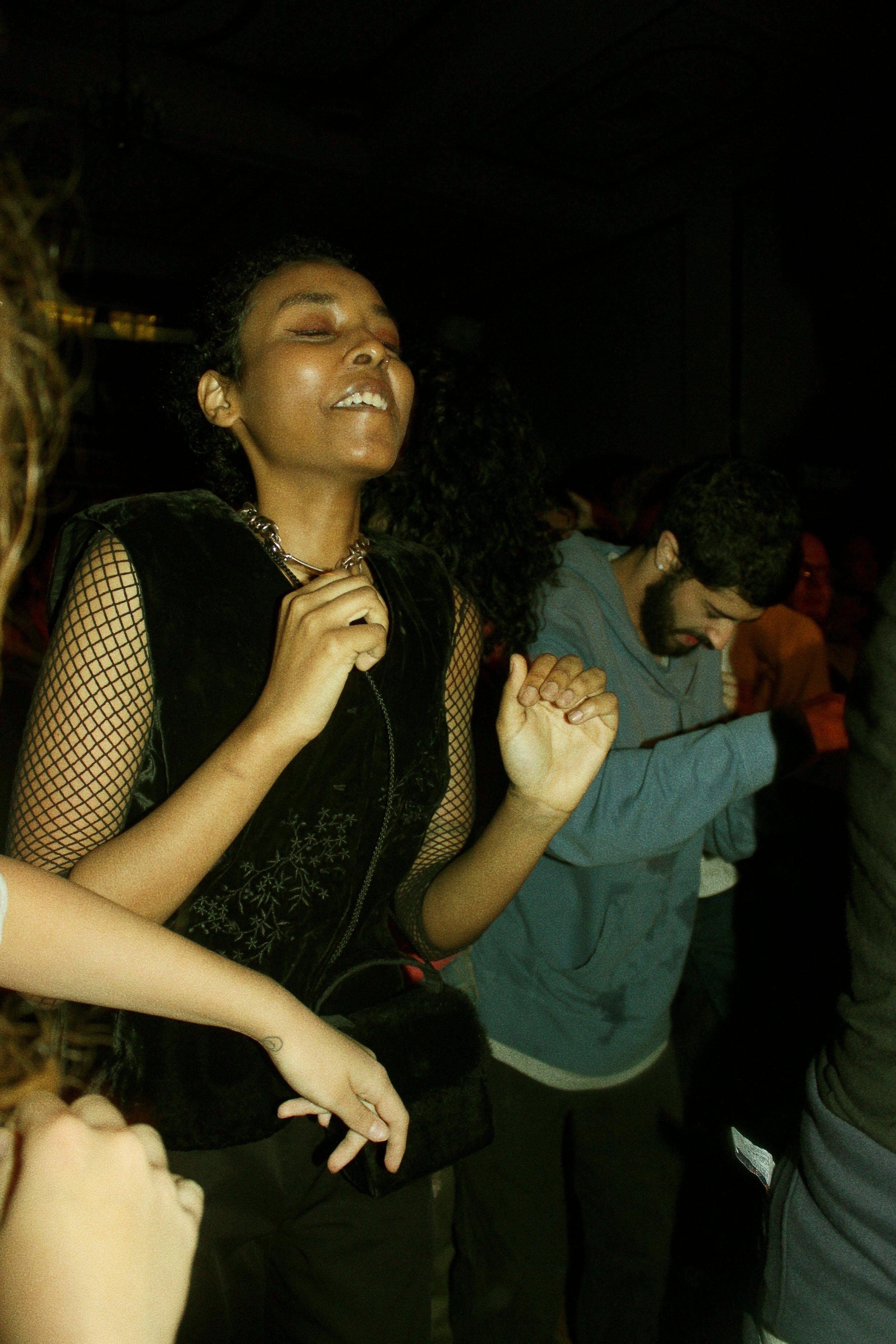 dancing girl, warsaw brooklyn october 2017