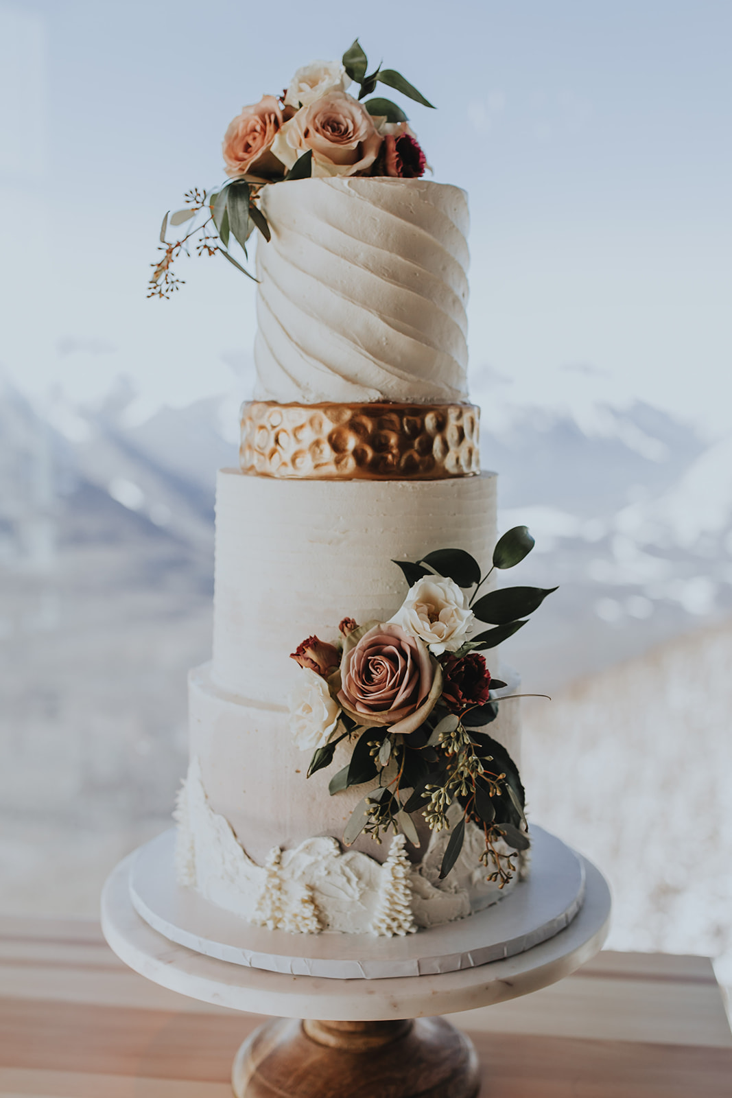 Castano films, Banff wedding, Bake my Day wedding cake.jpg
