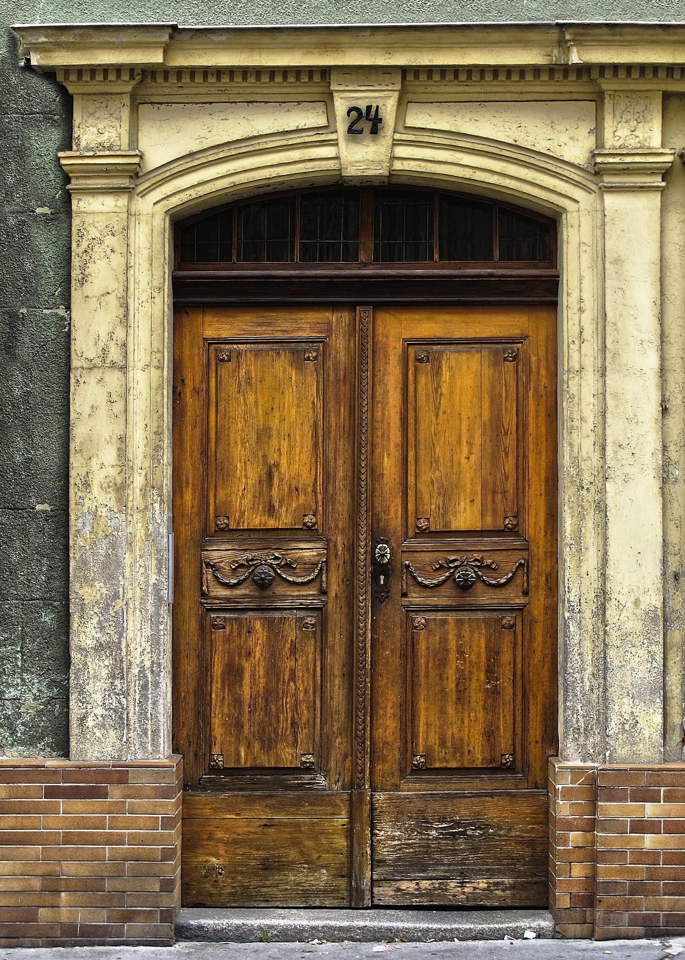 portal-3196718_1920.jpg