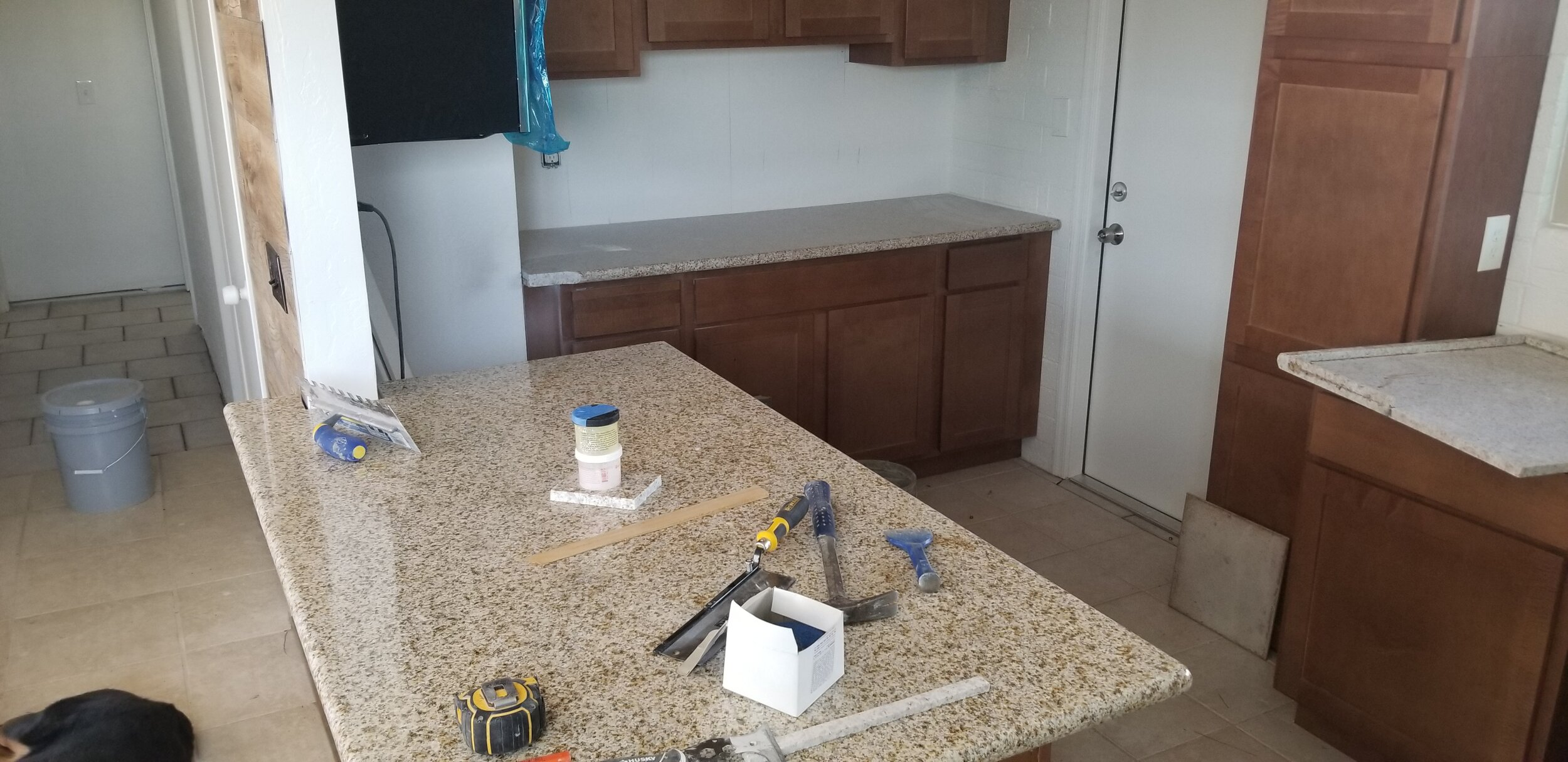 Kitchen cabinets & Granite counters installed