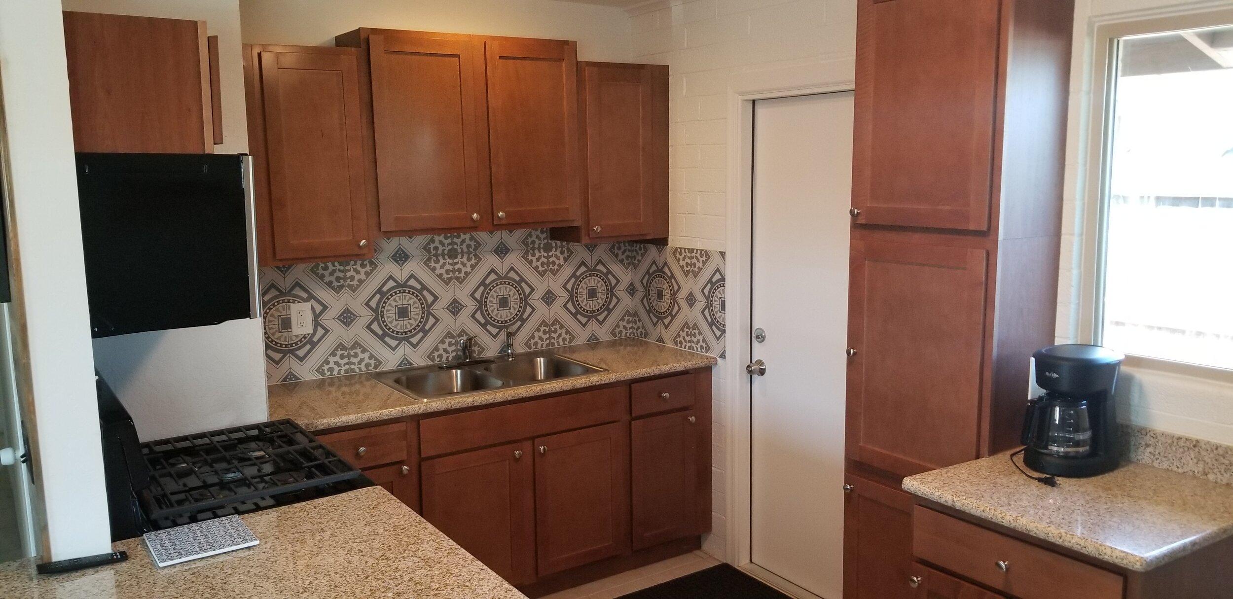 Kitchen new backsplash, sink, appliances