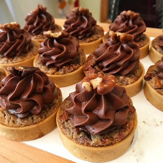 happy world nutella day |🍫| nutella hazelnut tarts at @slssouthbeach | #themiamimenu #slssouthbeadh