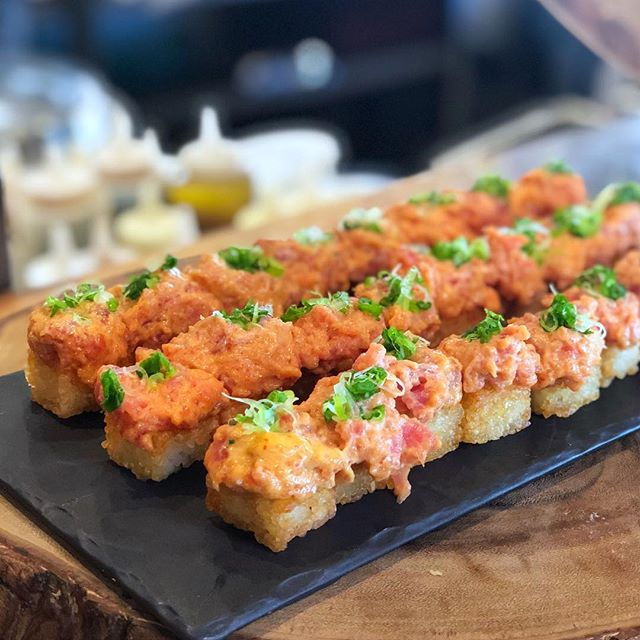tuna crispy rice |🍚| crispy rice cubes topped with spicy tuna tartare | #themiamimenu #tanuki