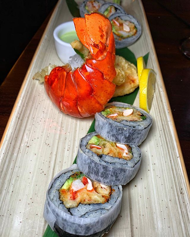 maine lobster tempura roll |🍤| spicy cilantro truffle sauce | @mandrakemiami now open in miami beach | #themiamimenu #mandrakemiami