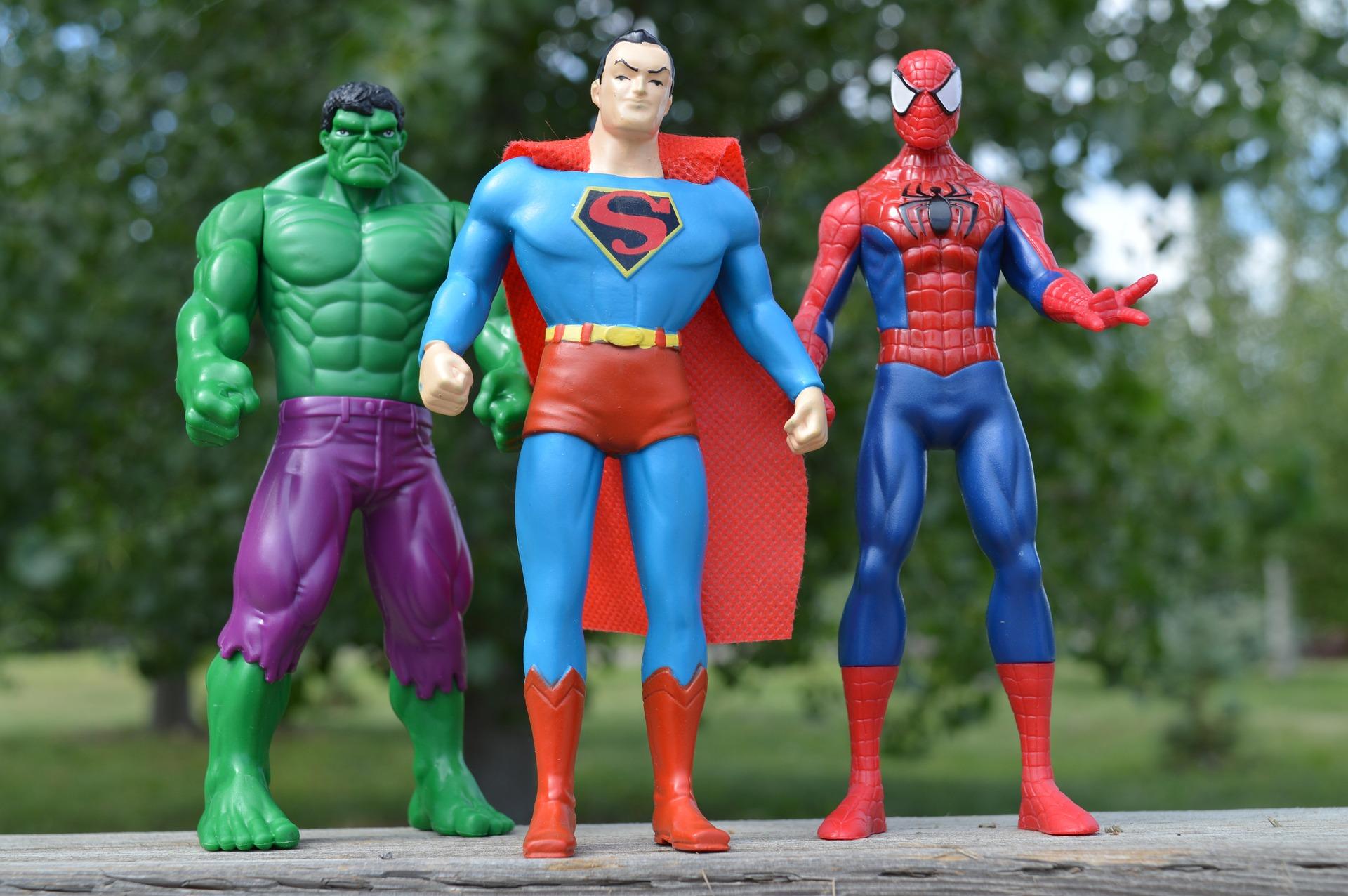 superheroes-1560256_1920.jpg
