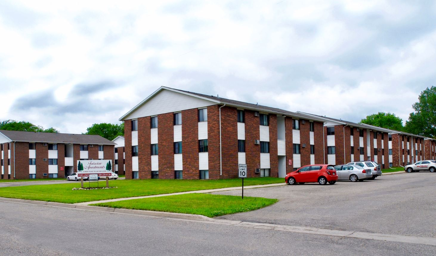 Student Housing Portfolio - Willmar, MN    Transaction Value: $6,400,000