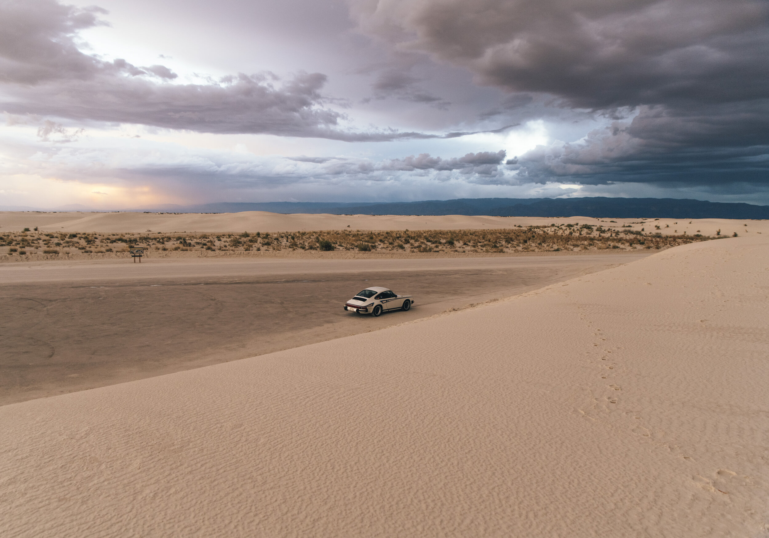 White Sands at dusk appears as just… regular sand.