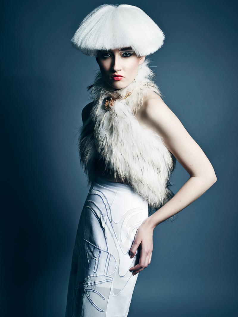 Yulia-Chernysh-by-Benjo-Arwas-2.jpg