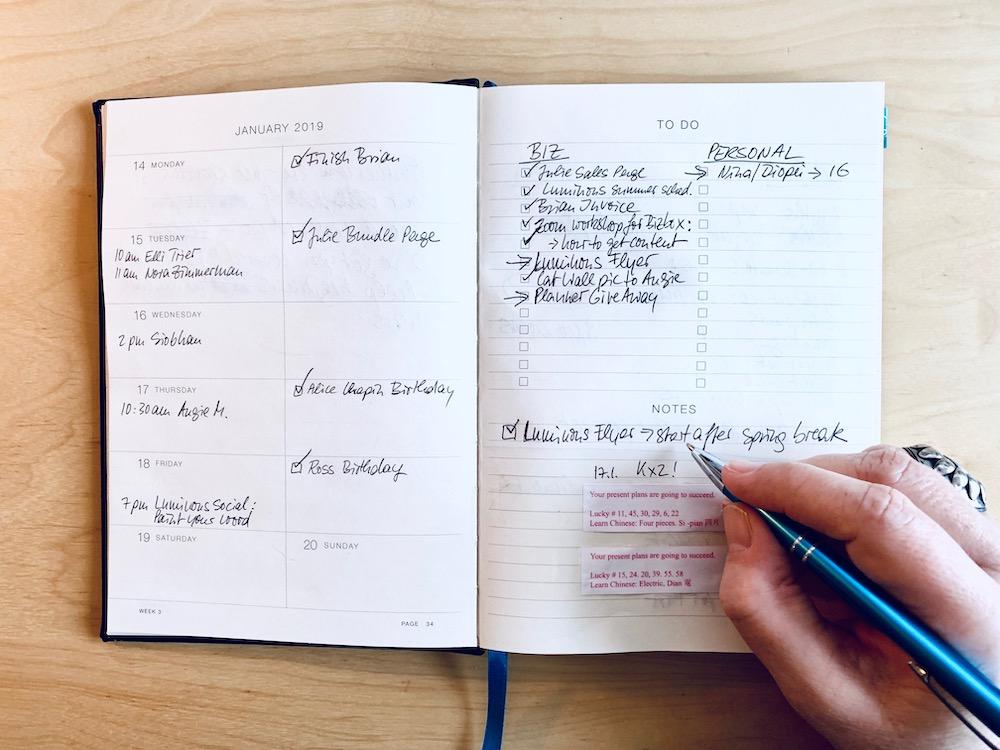 Eule Planner 2020 inside - Gifts for Mystics