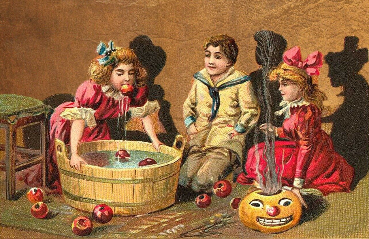 Halloween Party Vintage Card - Gifts for Mystics