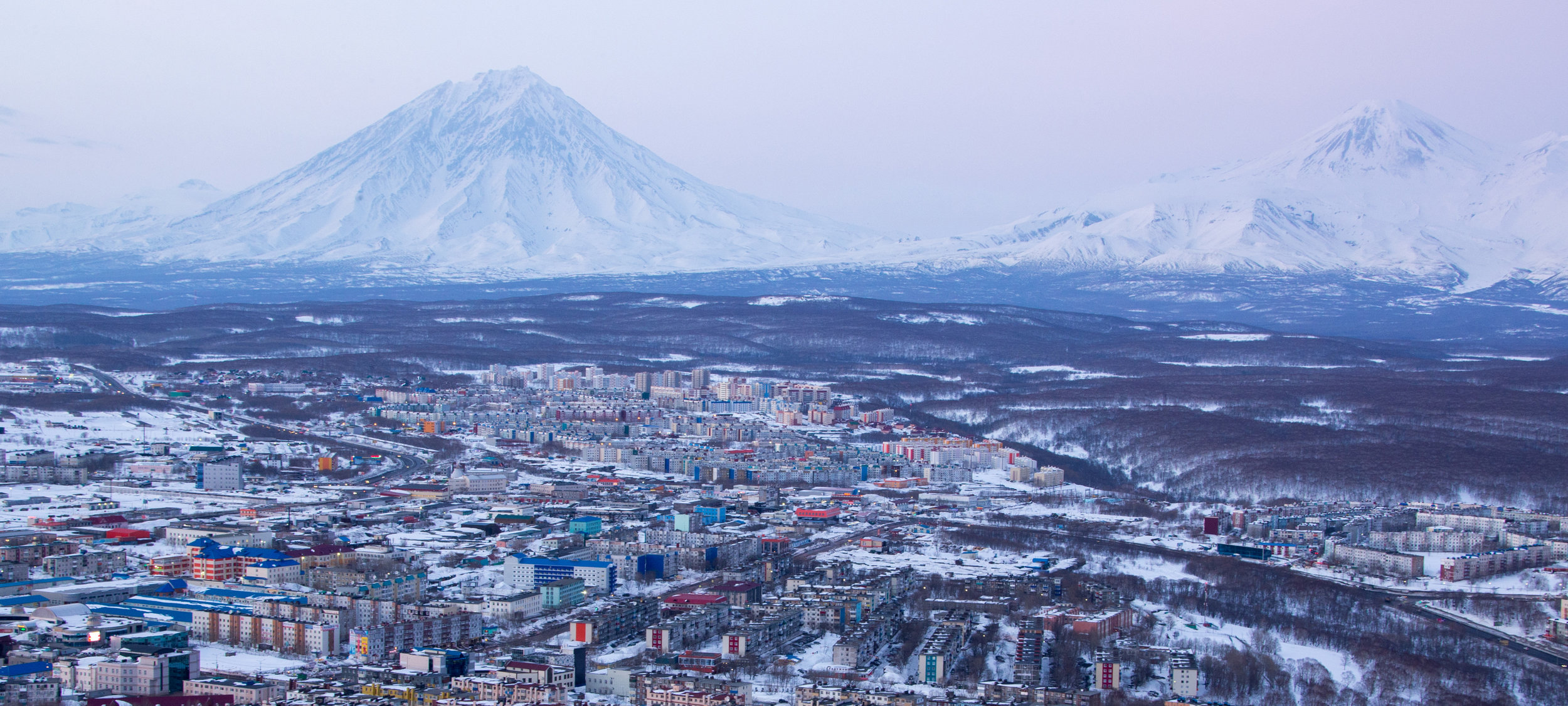 kamchatka-volcanoes-wide.jpg