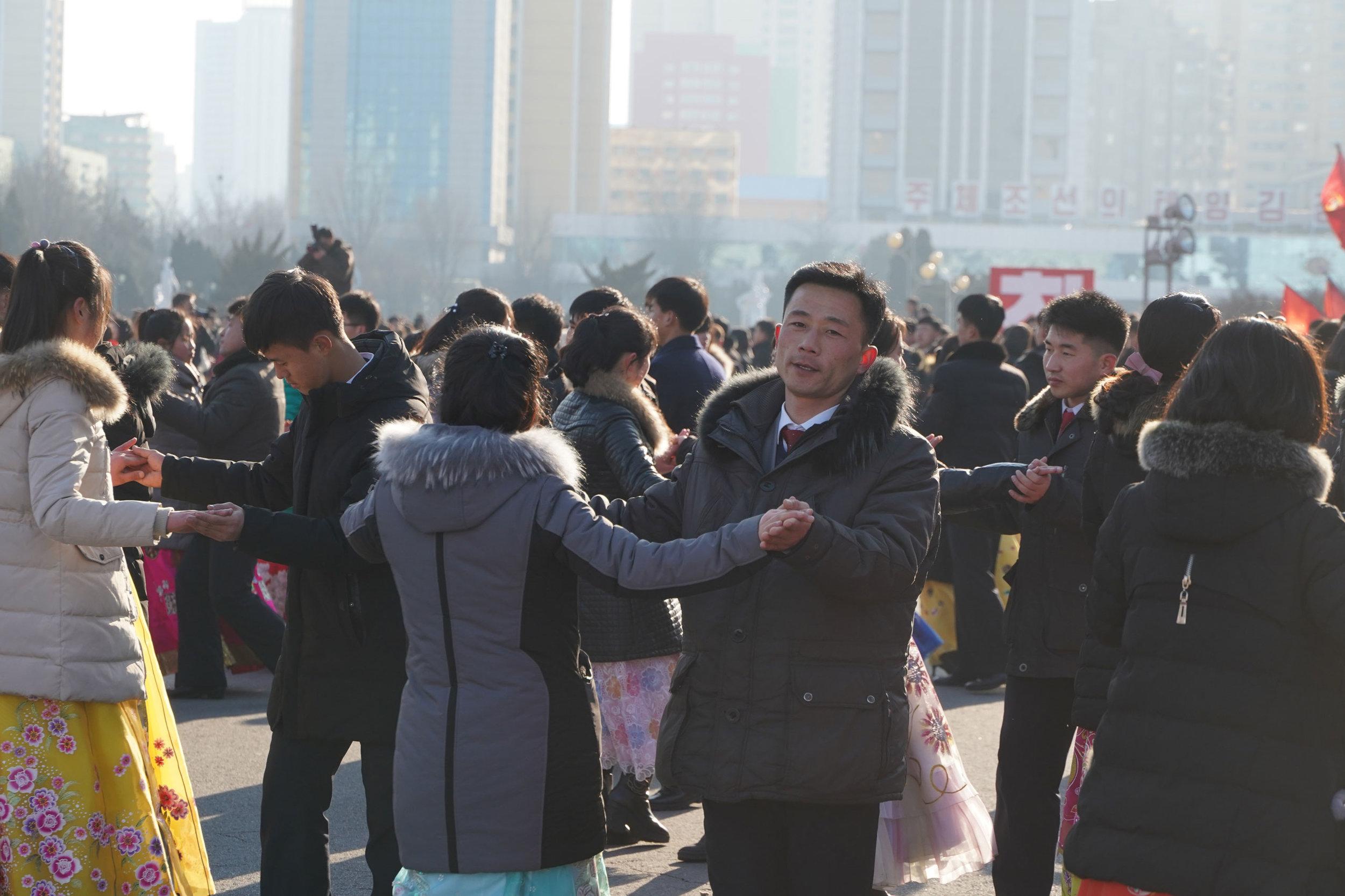 north-korean-mass-dance.jpg