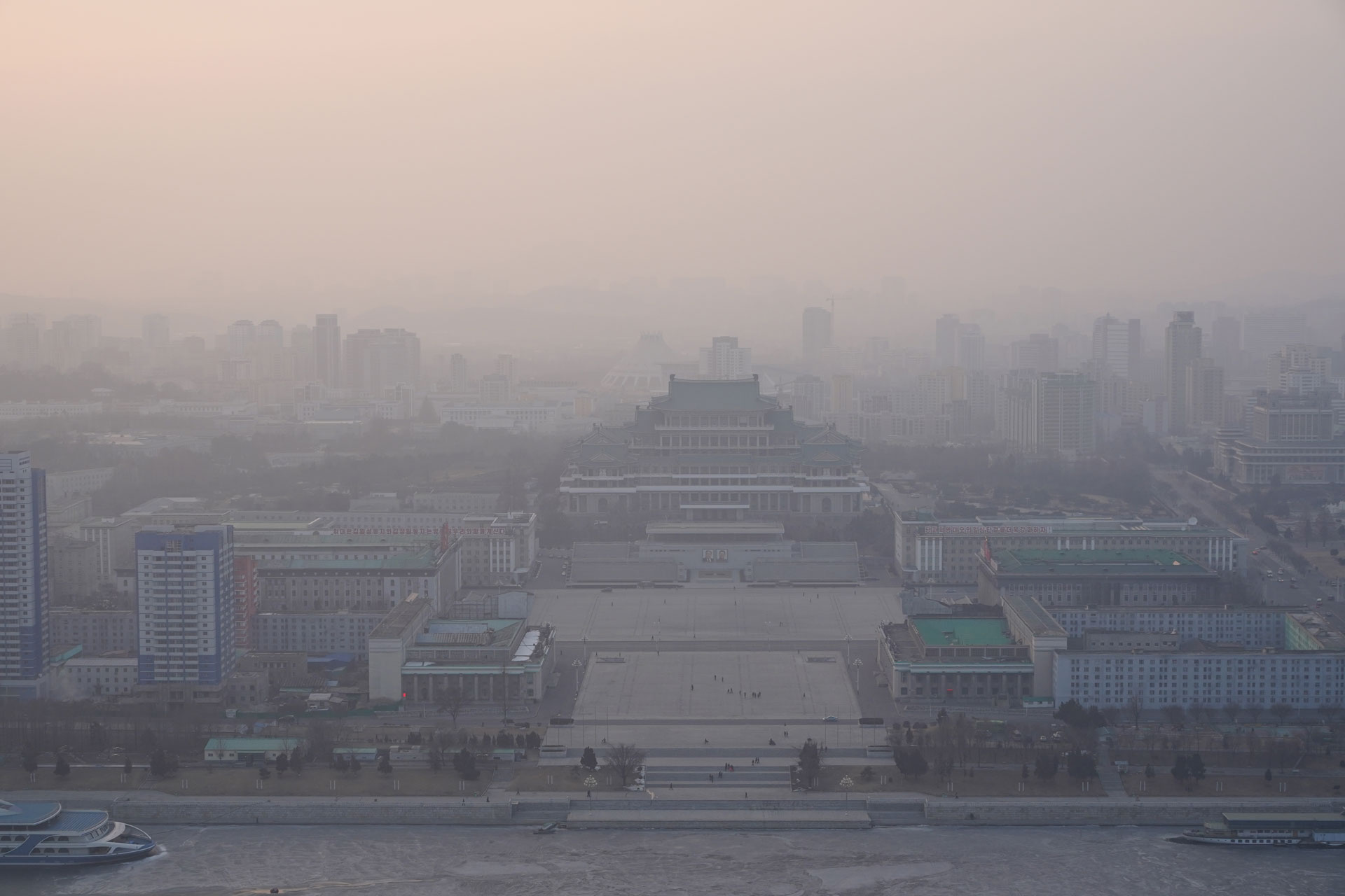 pyongyang-dusk-shot-of-kim-il-sung-square.jpg