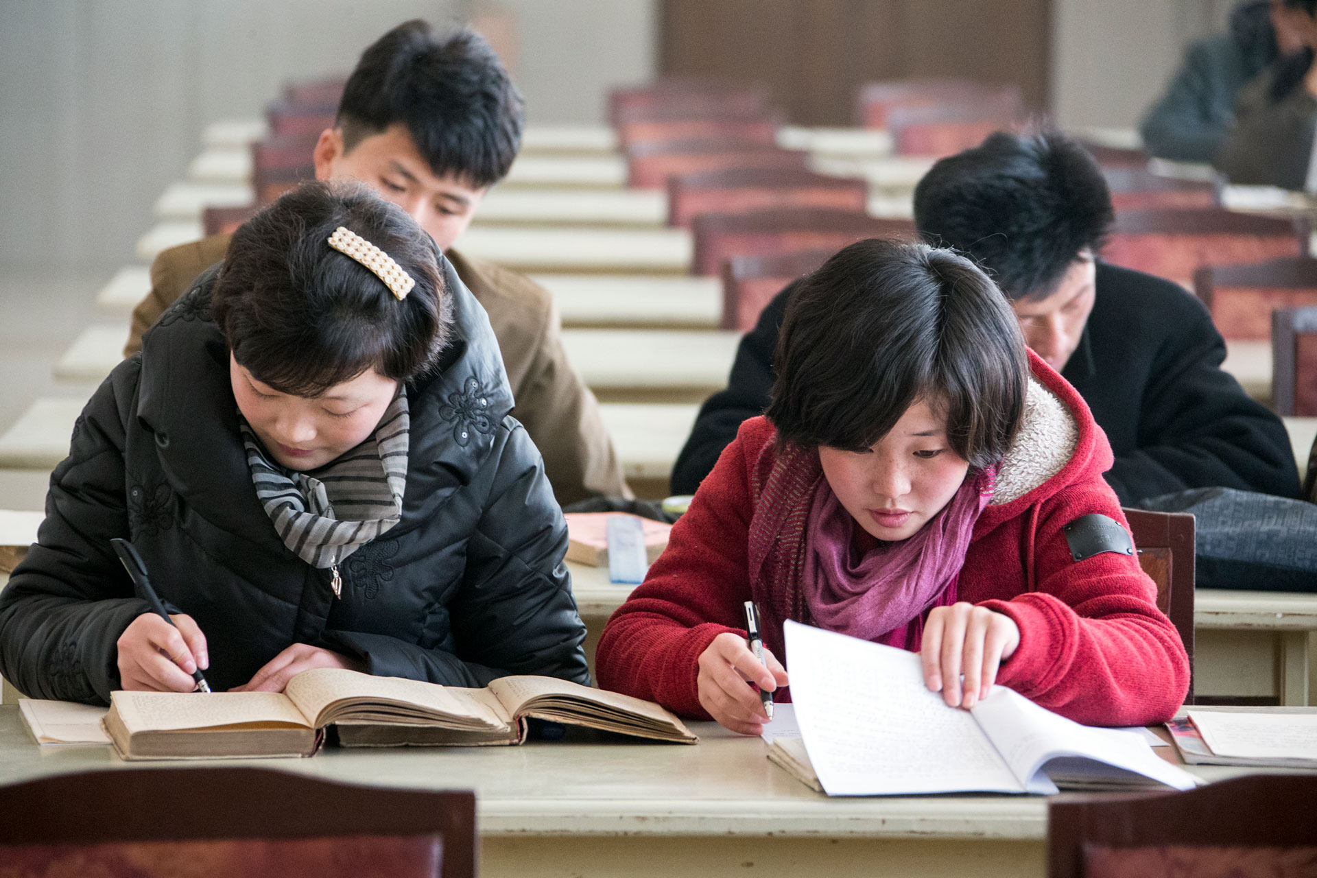 pyongyang-students-studying.jpg
