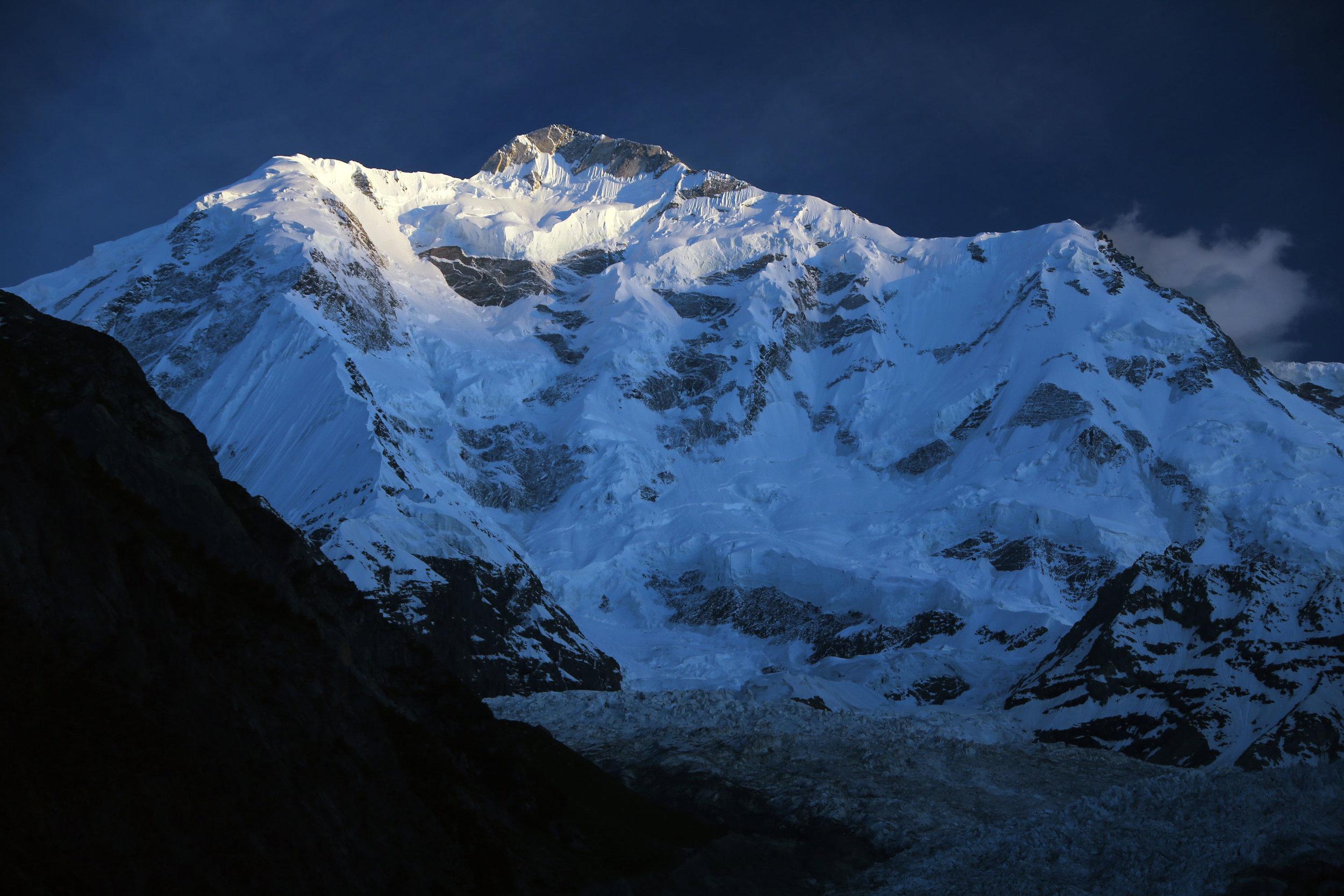 rakaposhi-peak-northern-pakistan-travel-inertia-network.jpg