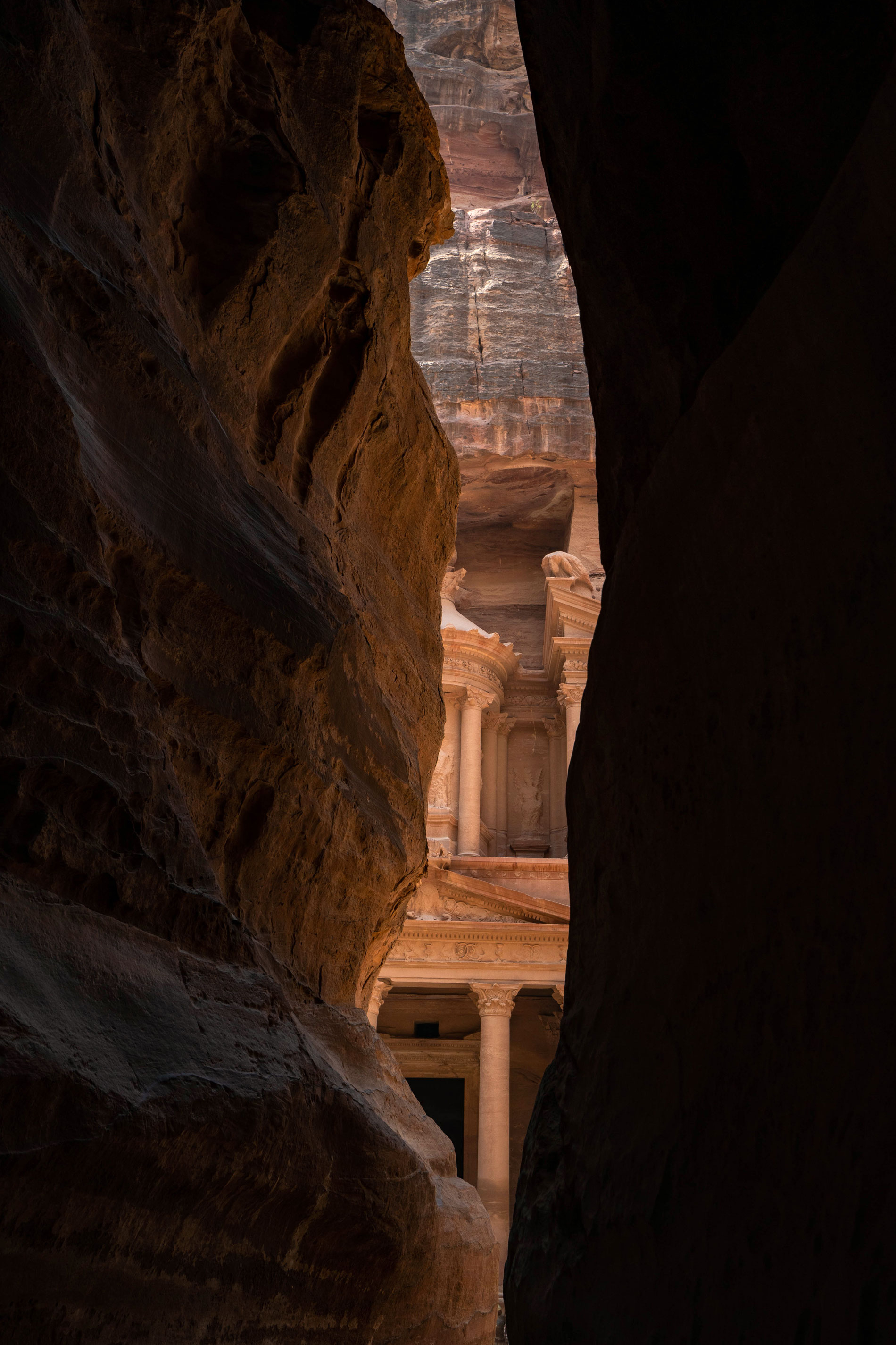 petra-pink-city-siq-trail-jordan-travel.jpg