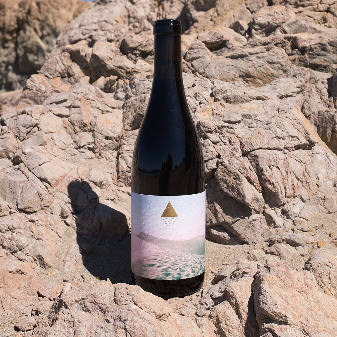 mountain-tides-wine0-2017-contra-costa-bottle-california-wine.jpg