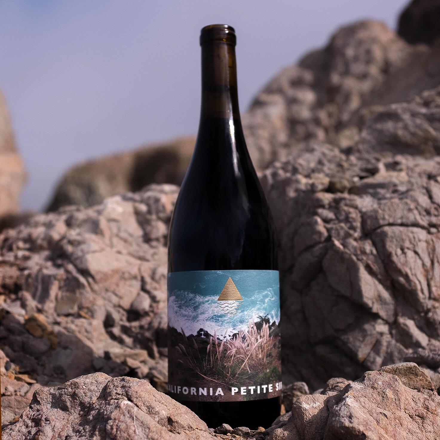 mountain-tides-wine-co-petite-sirah-california-2018-new-california-wine.jpg