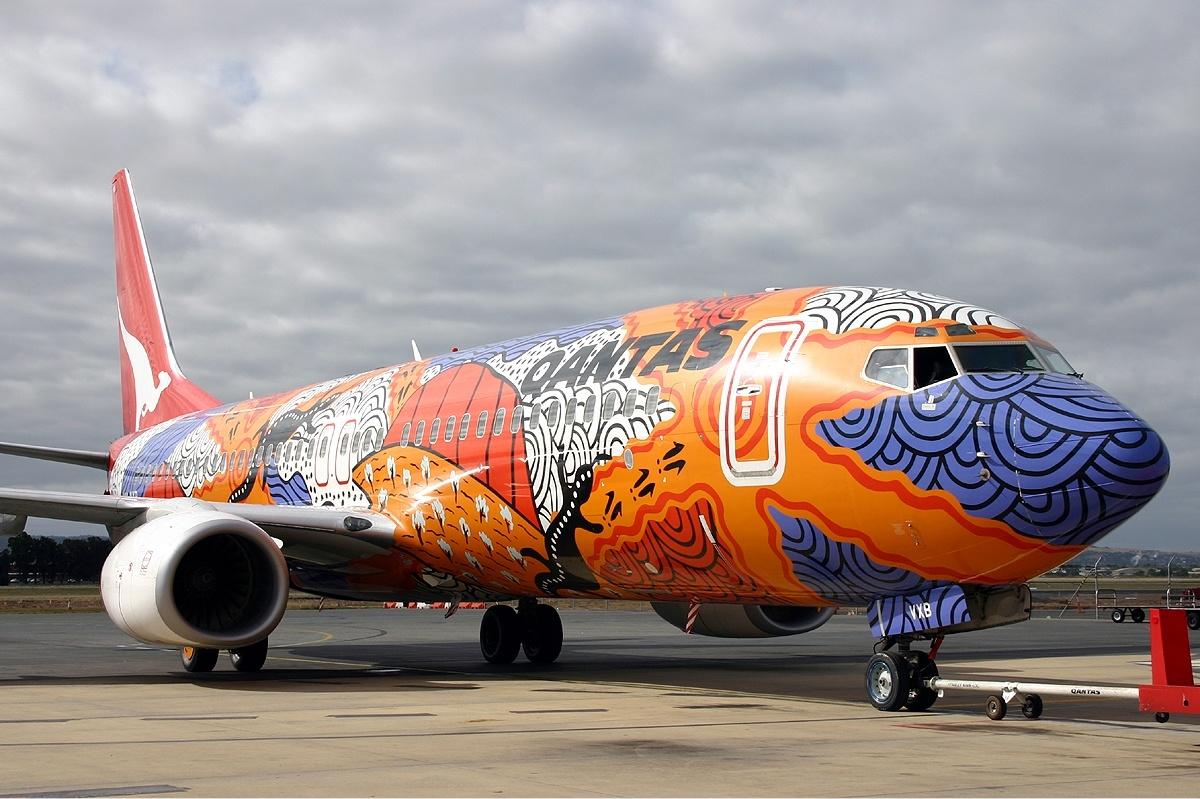 Qantas_Boeing_737-800_Yananyi_Dreaming_Finney-2.jpg