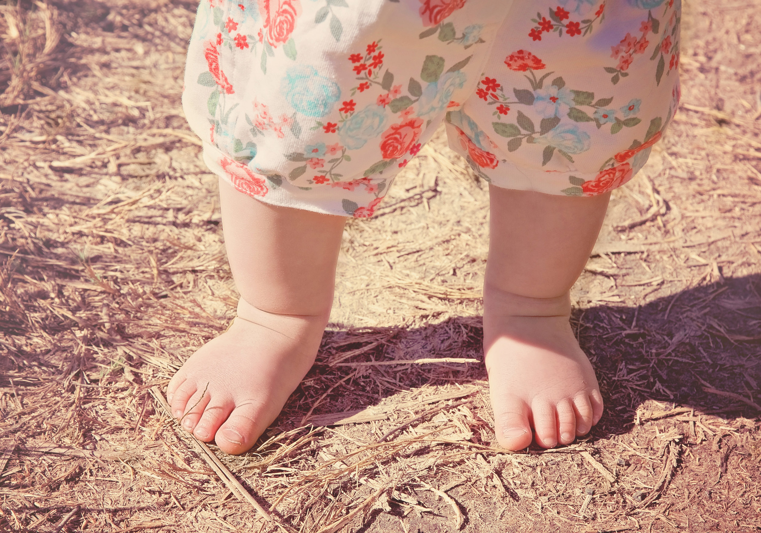 Baby Feet Portraits Photography | Lifestyle Portrait Photography | Lacey O