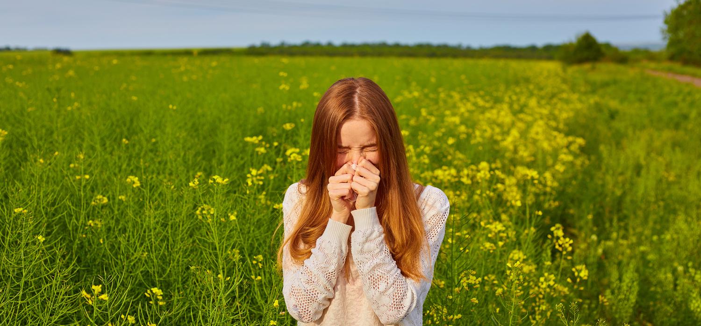 Pollen-Allergy-Girl-Sneezing.jpg