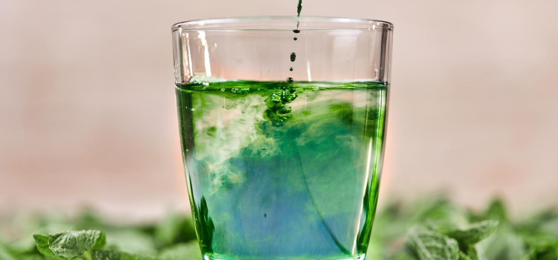 Chlorophyll-lemon-in-water.jpg