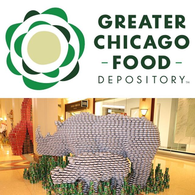@fooddepository biggest one day food drive. 🥫🥫🥫🥫🥫🥫. . . . #chickenofthesea #tunacan #canfood #canstruction #themerchandisemart #chicago #chicagoarchitecture #charityevent #greaterchicagofooddepository #rhino